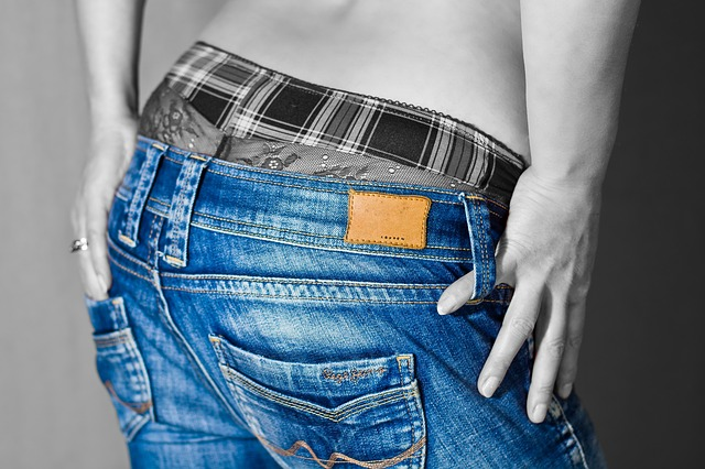džíny a spodní prádlo
