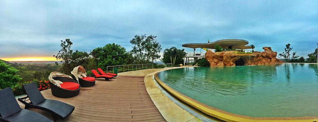 bazén v přírodě