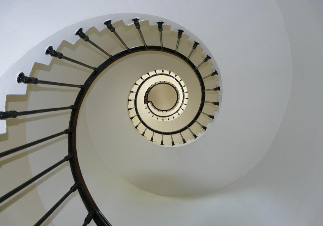 zábradlí a schodiště